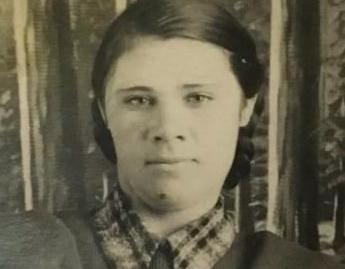 Карпикова (Шитикова) Анна Ильинична